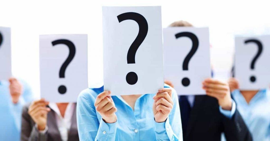 people holding question marks emphasizing independent contract vs employee